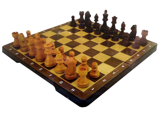 Wooden Chess (puinen shakki)